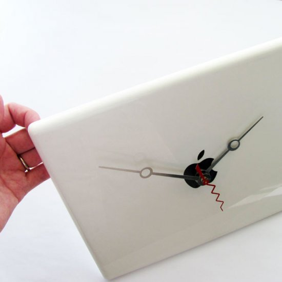 Apple Clock - White G3 Laptop Case - Click Image to Close